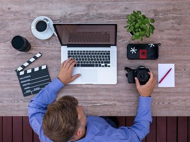cara mendapatkan uang dari internet : youtuber